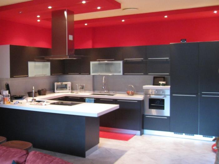Cucine veneta cucine cucina carrera rovere scuro usato - Okite piano cucina ...