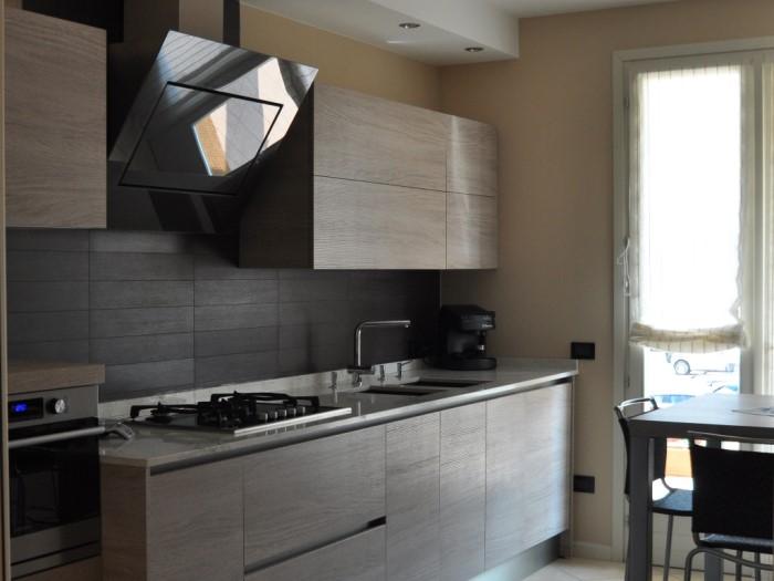 Realizzazione soggiorno e cucina brescia mastrelli arredamenti cremona - Cucina e soggiorno in 30 mq ...