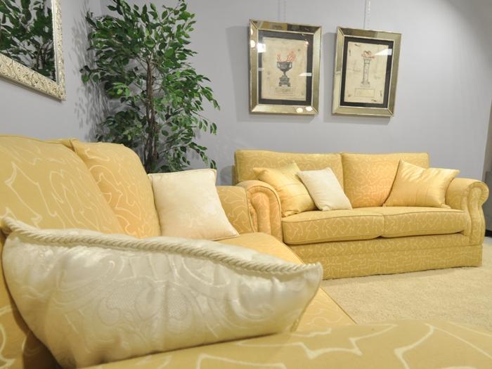 Salotti divani e poltrone salotto classico inglese for Salotto elegante