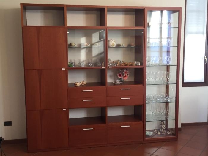 http://www.maestrelli.net/arredamento-progettazione-ristrutturazione/soggiorno-libreria-in-ciliegio/IMG-AAWVW-2016-08-21-16-36-00-398.jpg/